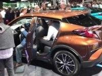 Toyota C-HR на выставке