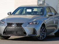 Обзор Lexus IS 200t F-Sport