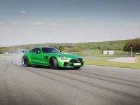 Mercedes AMG GT R на треке