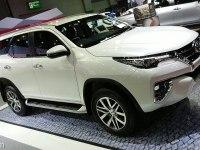 Toyota Fortuner - интерьер и экстерьер