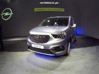 Opel Combo Life - экстерьер и интерьер