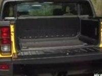 Тест-драйв Hummer H2 SUT (англ)