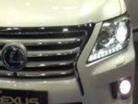 Lexus LX570 на моторшоу в Катаре